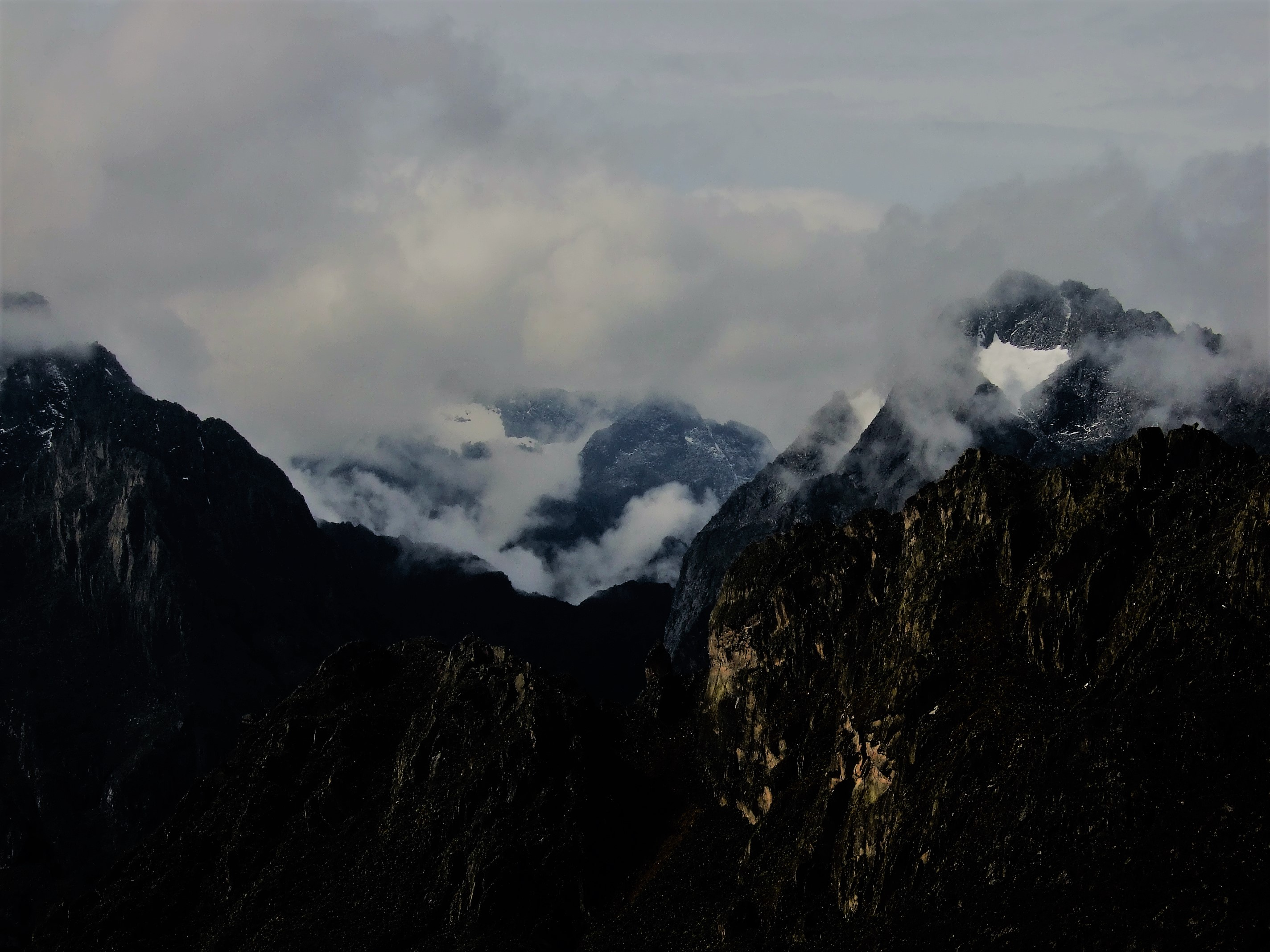 Hike Rwenzori Mountain